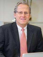 Dr. Alexander Beaucamp
